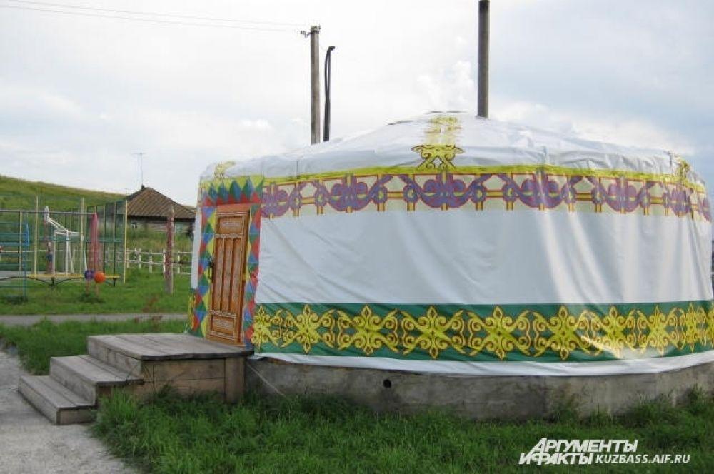 Юрта в деревне Шанда.