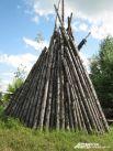 Чадыр - коническая юрта, крытая по жердевому каркасу корой лиственницы. Летнее жилище кочевников.