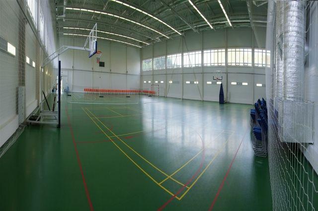 В сельских школах Омской области отремонтируют спортзалы.