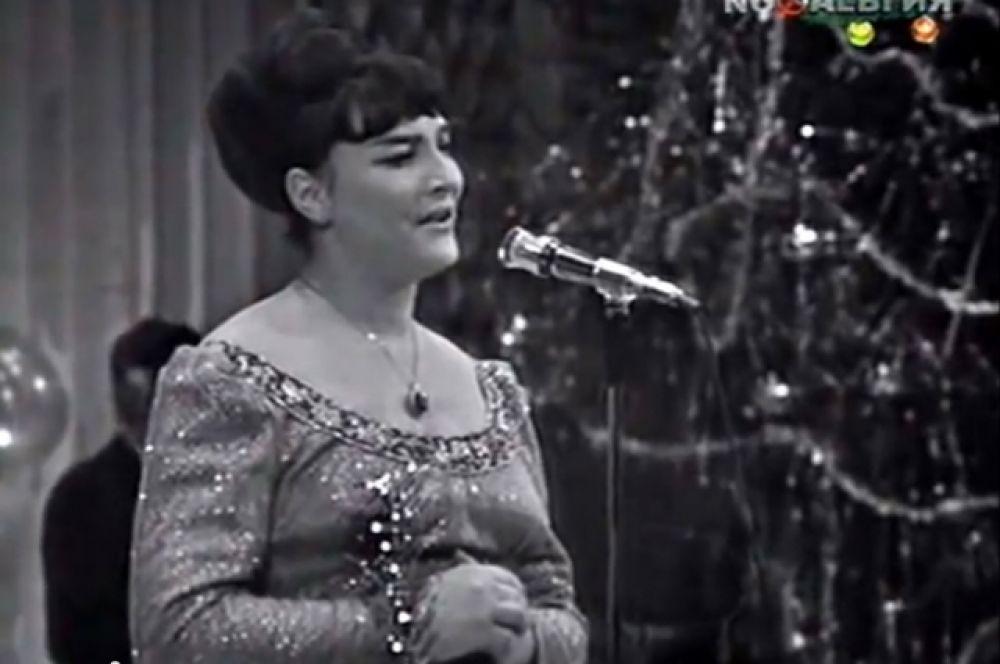 Запись с заключительного концерта Всесоюзного телевизионного фестиваля советской песни «Песня-71».
