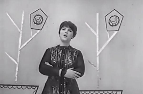 Из концерта Центрального телевидения №74. Начало 70-х годов. Русская народная песня.