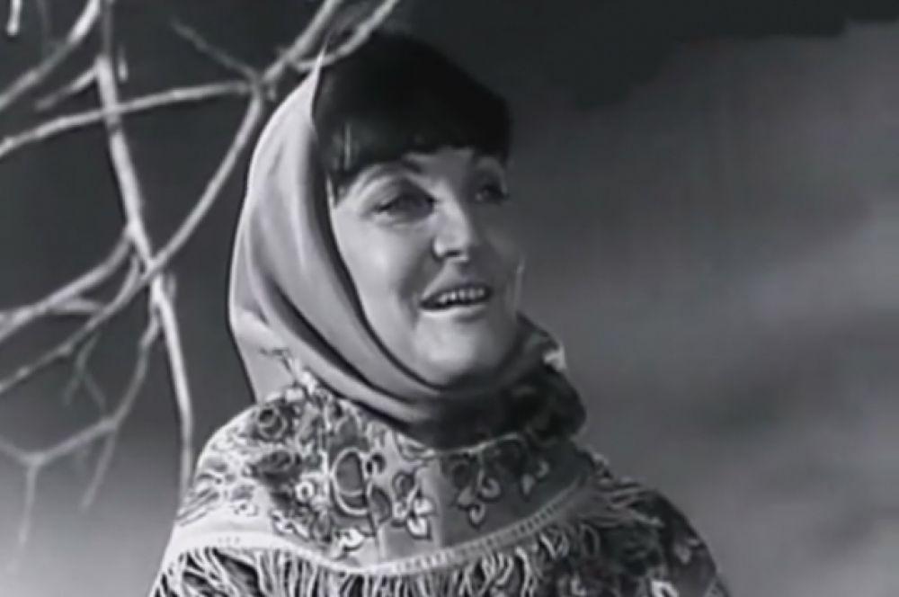 Кадр из видеоклипа из фильма-концерта «Родной голос». 1972 г.