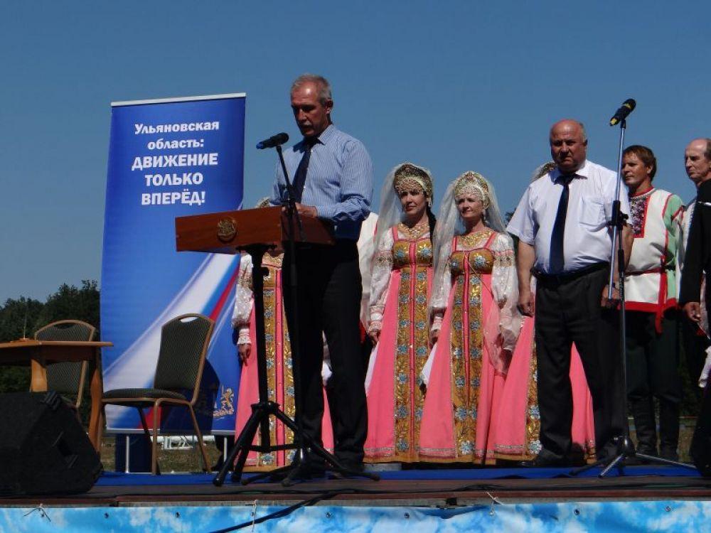 Открывал фестиваль глава региона Сергей Морозов
