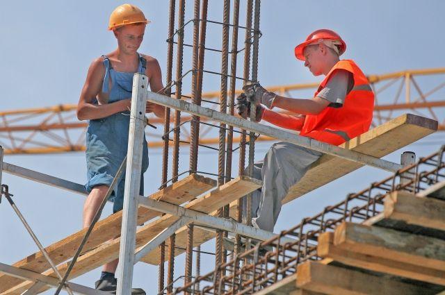 Молодёжь не мечтает о карьере монтажника или каменщика.