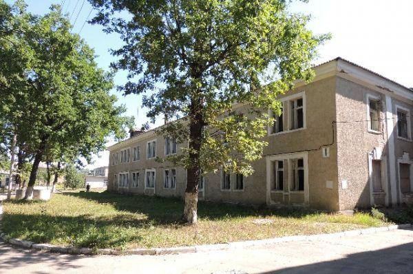 Не менее драматичной оказалась судьба дома престарелых и инвалидов на улице Ломоносова, который построили в 1955 год