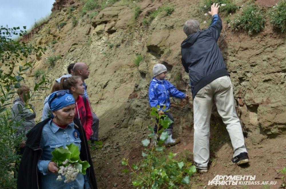 Подойти к месту раскопок можно очень близко и увидеть всё своими глазами.