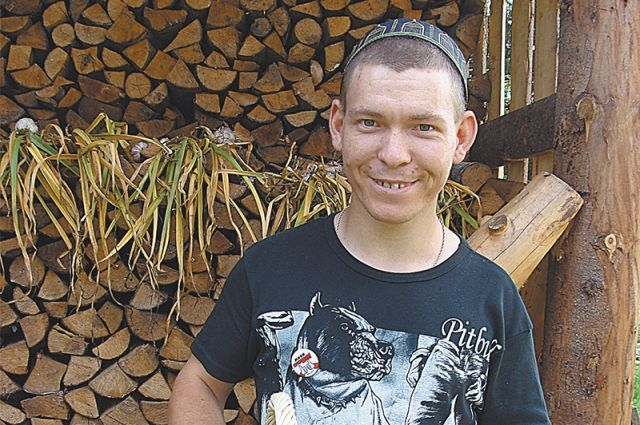 Марат мечтает подарить розы из бисера Олегу Газманову.