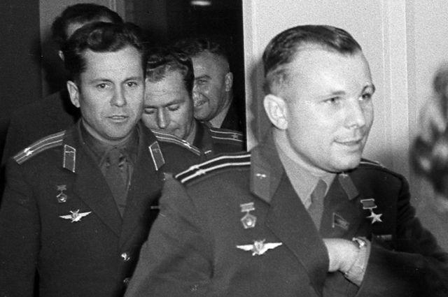 Герман Титов и Юрий Гагарин