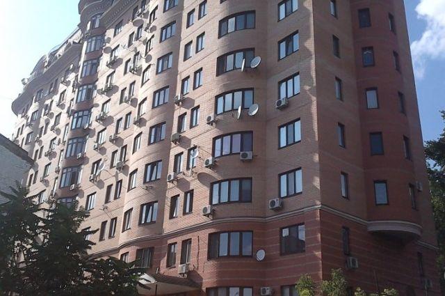 Многоэтажный элитный дом на улице Жилянской в Киеве