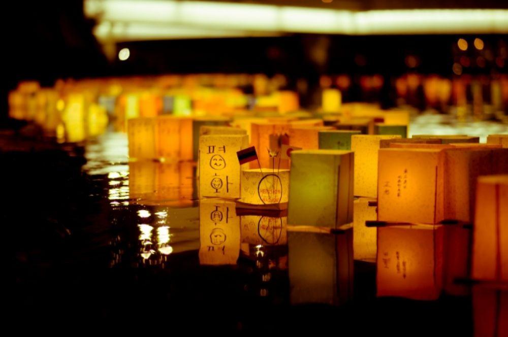 Из-за того, что эвакуация людей с зараженных радиацией территорий не проводилась, число людей, пострадавших от взрыва увеличивалось с каждым днем: на момент 31 марта 2013 года оно достигло 450 тысяч: 286 818 в Хиросиме и 162 083 в Нагасаки.