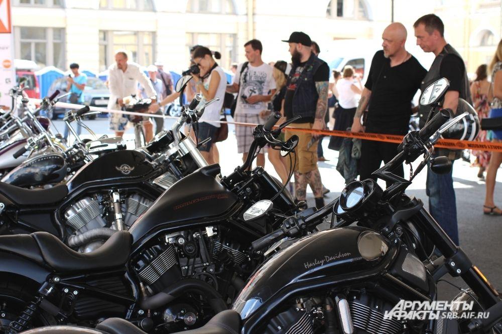 В рамках фестиваля проходит конкурс кастом-мотоциклов.