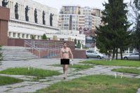 Евгений Фоминцев на омских улицах.