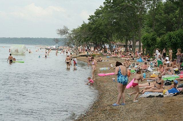 На пляже на Санаторной теперь можно не только купаться и загорать.