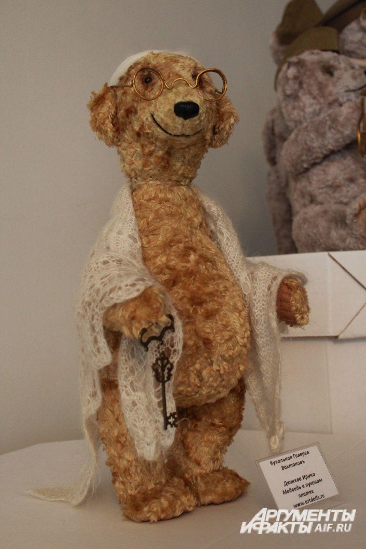 Медведь в пуховом платке