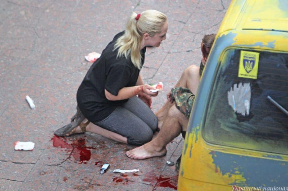 Взрыв возле Украинского дома в Киеве