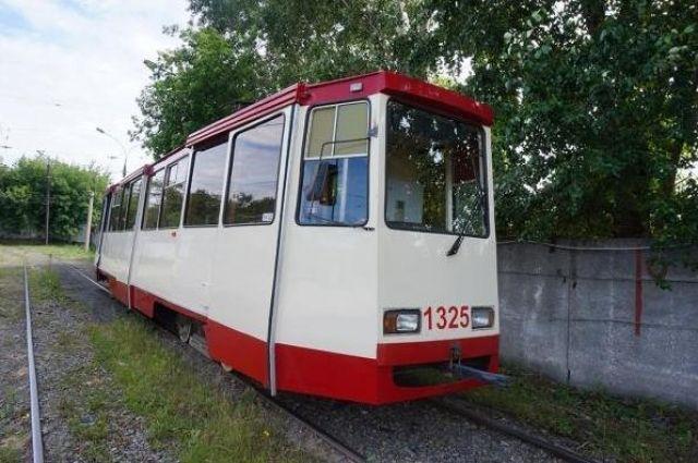 На выходные закроют движение трамваев на ЧМЗ