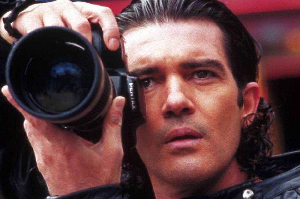 В 2006 году Бандерас выступил в роли режиссера с фильмом «Летний дождь» о жизни молодежи в родном городе актера – Малаге.