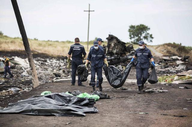 Спасатели на месте крушения «Боинг-777»