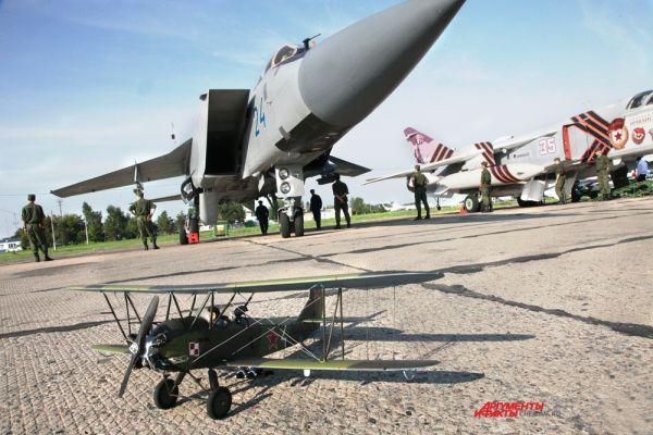 Модель легендарного советского самолёта ПО-2