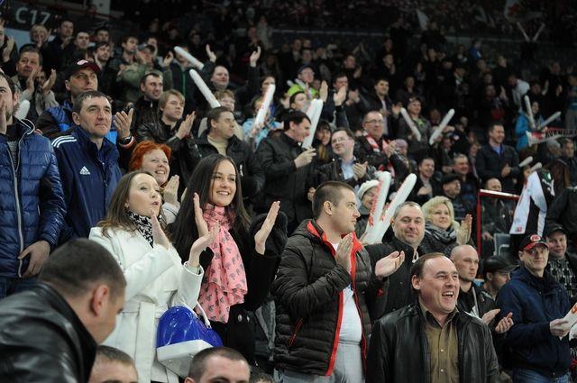 Омский хоккей станет доступнее для болельщиков.