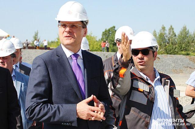 Василий Юрченко (в центре).