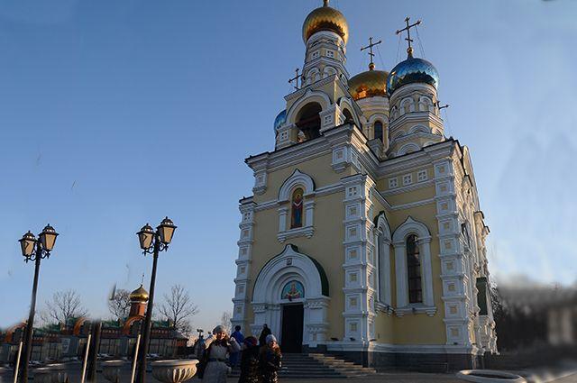 Покровский храм во Владивостоке.