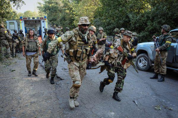 В бою под Иловайском ранены пятеро бойцов батальона «Азов»