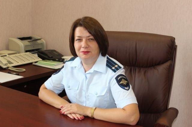 Замглавы следственного управления по выборгскому району регионального главка полиции юлия алябьева очень спешила на работу – получать новое звание.