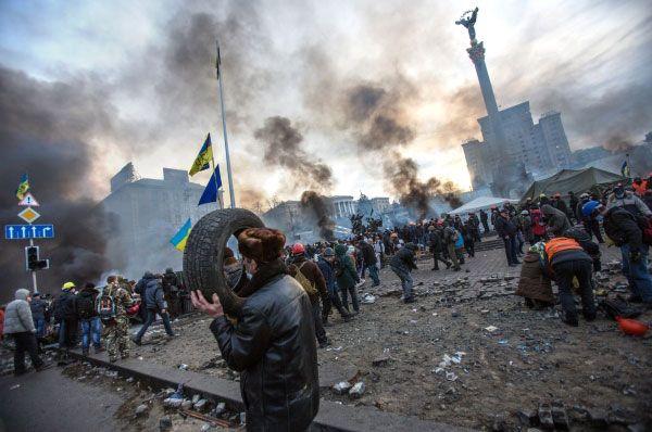 Резкое обострение конфликта произошло 18 февраля, когда на улицах Киева погибли 25 человек, ещё десятки получили различные травмы и ранения. В столкновениях участвовали боевики «Самообороны Майдана» и «Правого сектора».