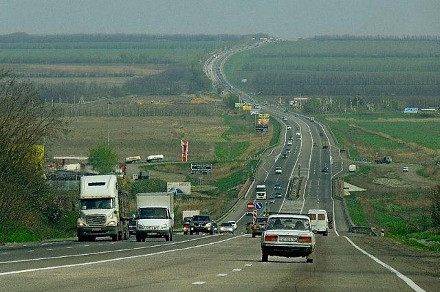 Новосибирских туристов просят не терять бдительность. Закрывайте машины, паркуясь на трассе!