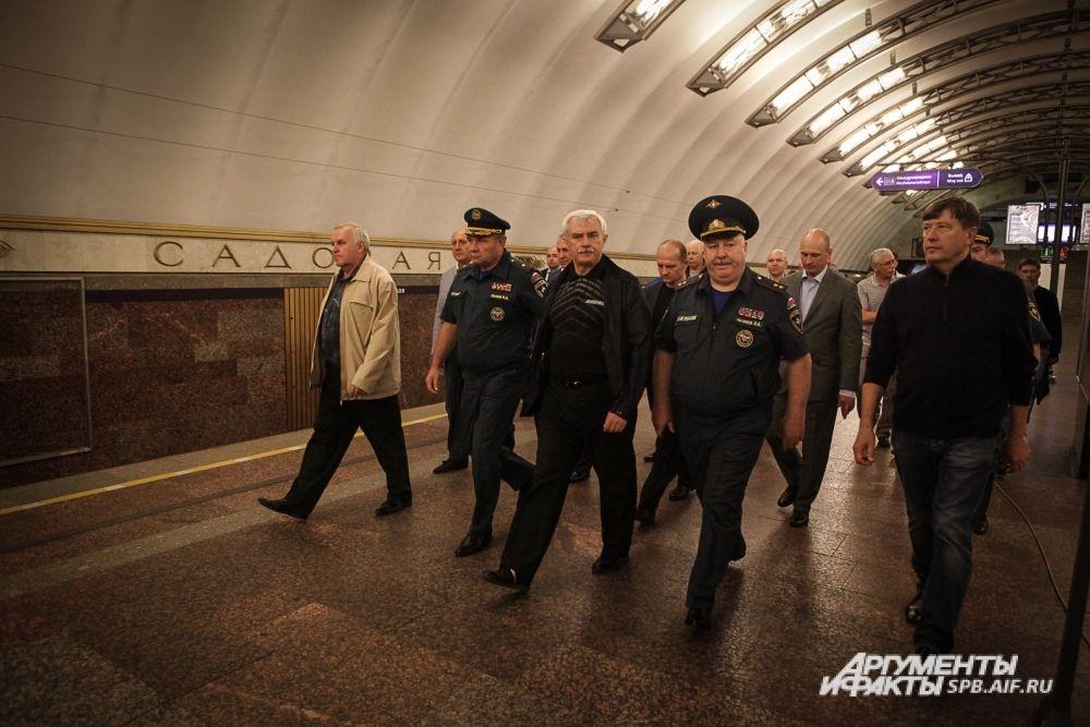 На платформе станции «Садовая» был развернут оперативный штаб.