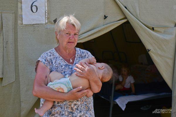 Из 1733 человек, находящихся в пункте «Изварино», 368 являются детьми.