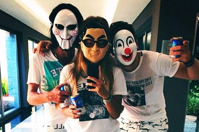 Голкипер сборной России Семен Варламов отдыхал с друзьями в Турции.