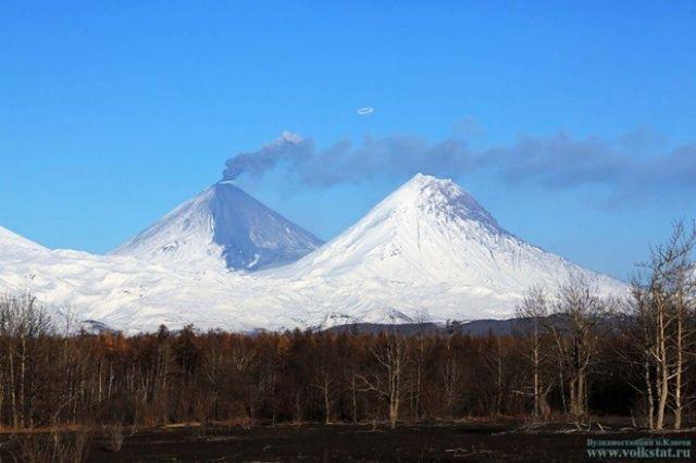 Два самых высоких вулкана Камчатки очень привлекательны для альпинистов.