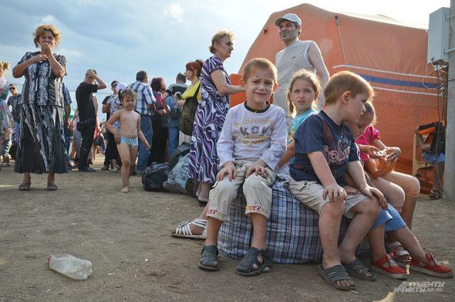 Следователи допрашивают беженцев, прибывших на Южный Урал