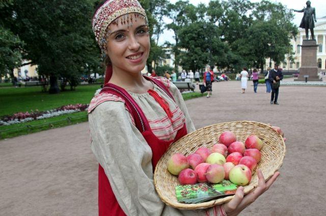 Яблочный Спас в Омске отметят 19 августа.
