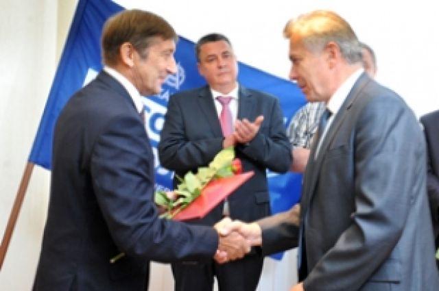 Вячеслав Синюгин поздравил с профессиональным праздником ветеранов авиапроизводства.