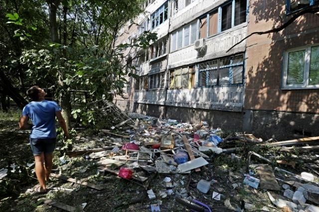Разрушенные боевиками дома в Донецке