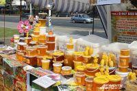 Пчелиный воск тоже пользуется спросом, наравне с мёдом.