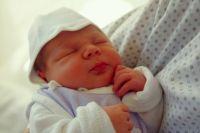Маленький ребёнок погиб в своей кроватке.