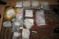 Синтетические наркотики в особо крупных количествах.