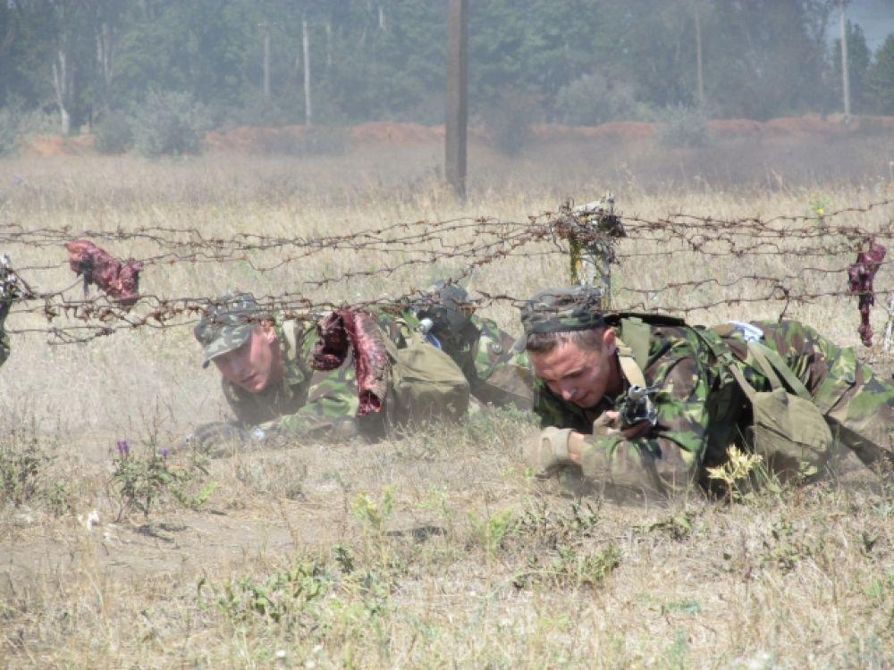 На полигоне под Одессой обучают военнообязанных