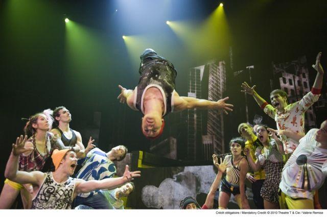 Cirque Eloize представит шоу iD в Челябинске 19 ноября
