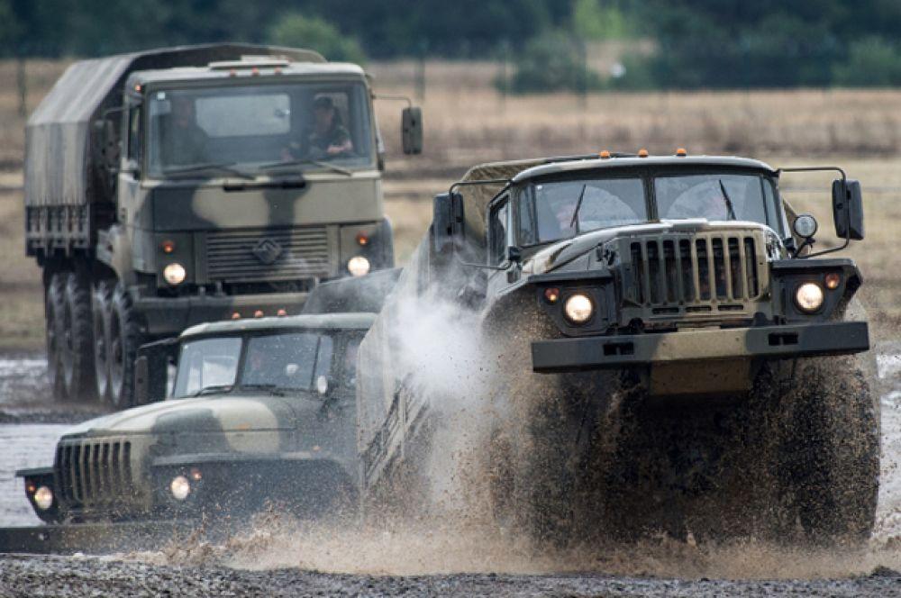 На форуме были представлены не только образцы боевой техники, но и военные автомобили «Урал».