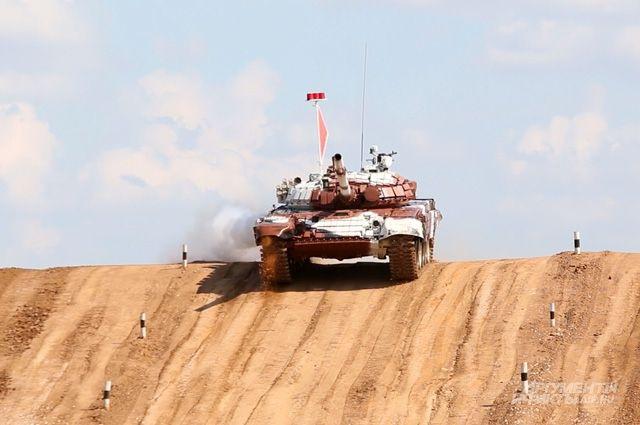 Если год назад первый международный турнир по танковому биатлону собрал участников из 4 стран, то сейчас выступили представители 12 государств.