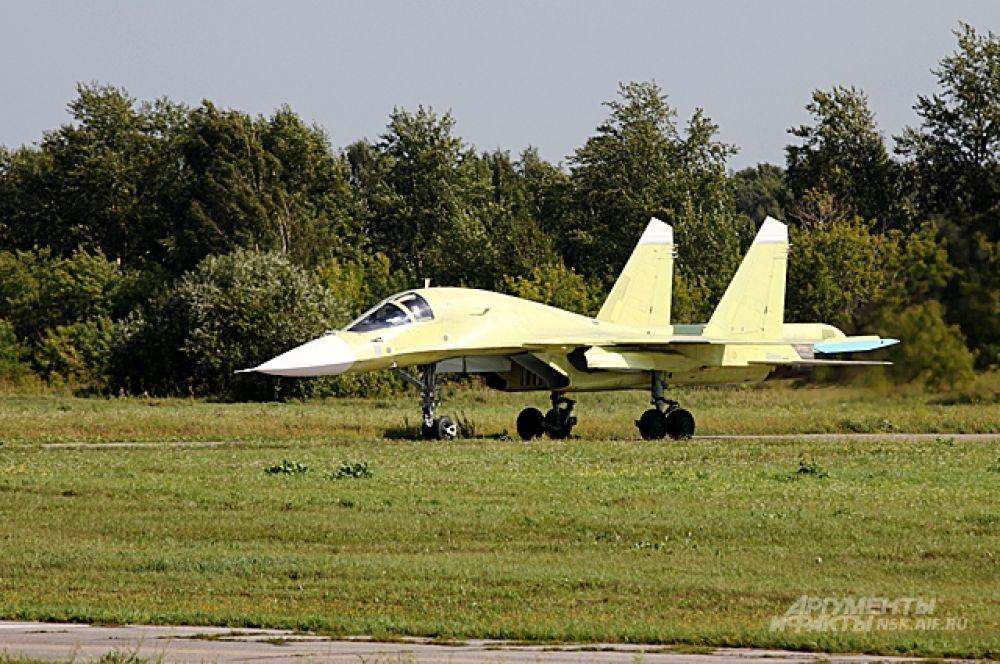 Су-34 почти «в чём мать родила» - до финальной покраски.