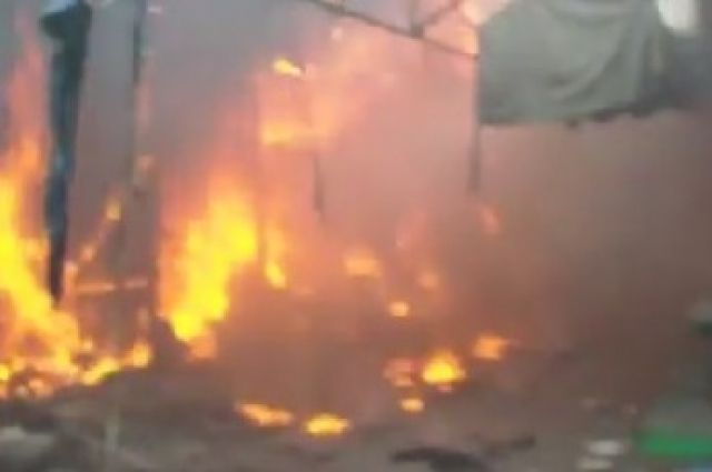 Пожар на рынке в Луганске