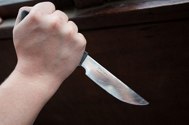 Кухонный нож стал орудием убийства.
