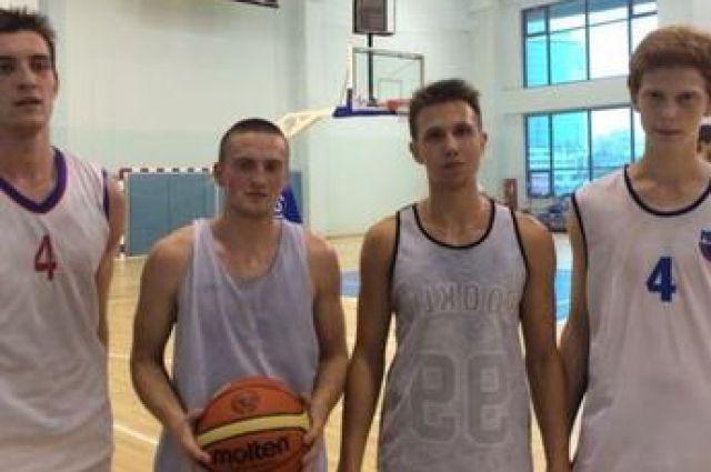 Четыре свердловских баскетболиста будут тренироваться с основой «Урала»