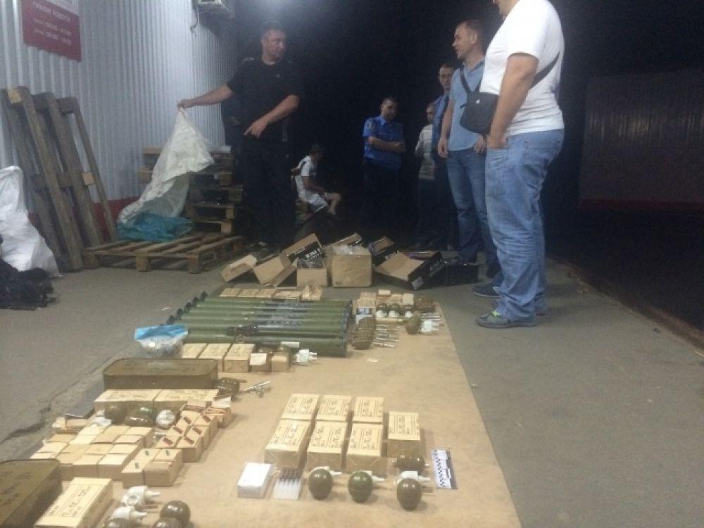 Сотрудники МВД задержали члена харьковской организации «Оплот» с арсеналом оружия